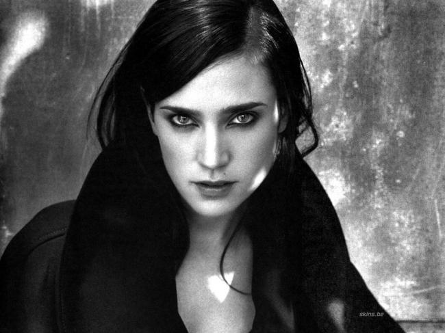 Jennifer Connelly trying desperately to look like her younger self.