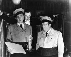 Bud Abbott, Bela Lugosi and Lou Costello in Abbott and Costello Meet Frankenstein