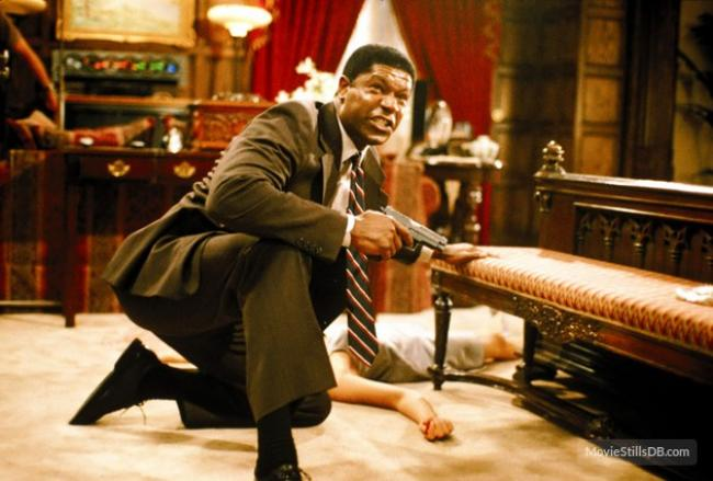 Dennis Haysbert in Absolute Power.
