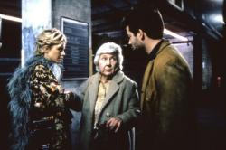 Meg Ryan, Maureen Stapleton and Matthew Broderick in Addicted to Love.
