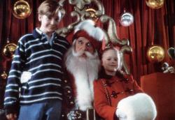 Ethan Embry, Leslie Nielsen, and Thora Birch in All I Want for Christmas.