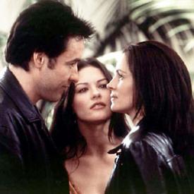 John Cusack, Catherine Zeta-Jones and Julia Roberts in America's Sweethearts.