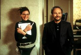 Julia Roberts and Billy Crystal in America's Sweethearts.