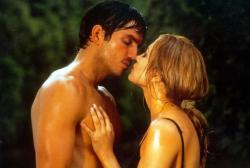 James Caviezel and Jennifer Lopez in Angel Eyes.
