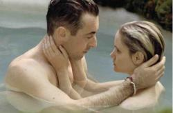 Alan Cumming and Jennifer Jason Leigh in The Anniversary Party.