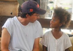 Ben-Zeitlin directing Quvenzhane Wallis in Beasts of the Southern Wild