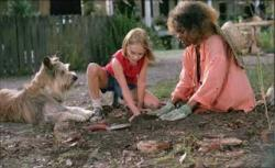 Annasophia Robb and Cicely Tyson in Because of Winn Dixie.