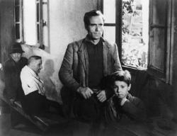 Lamberto Maggiorani and Enzo Staiola in The Bicycle Thief.