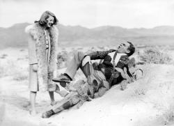 Bette Davis and James Cagney in The Bride Came C.O.D.