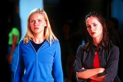 Kirsten Dunst and Eliza Dushku in Bring it On.