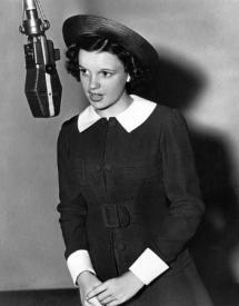 Judy Garland sings to Dear Mr. Gable.