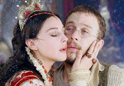 Monica Bellucci and Heath Ledger in Brothers Grimm.