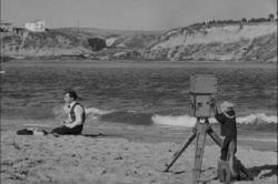 Buster Keaton and a monkey in The Cameraman.