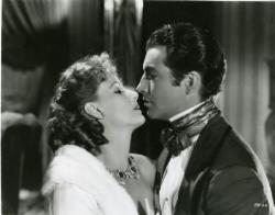 Greta Garbo and Robert Taylor in Camille.