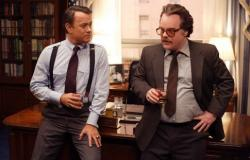 Tom Hanks and Philip Seymour Hoffman in Charlie Wilson's War.