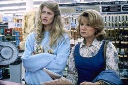 Laura Dern and Mary Kay Place in Alexander Payne's Citizen Ruth.