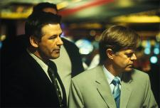 Alec Baldwin and William H. Macy in The Cooler.