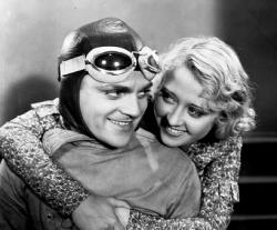 James Cagney and Joan Blondell in The Crowd Roars.