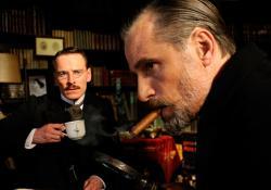Michael Fassbender as Carl Jung and Viggo Mortensen as Sigmund Freud in A Dangerous Method.