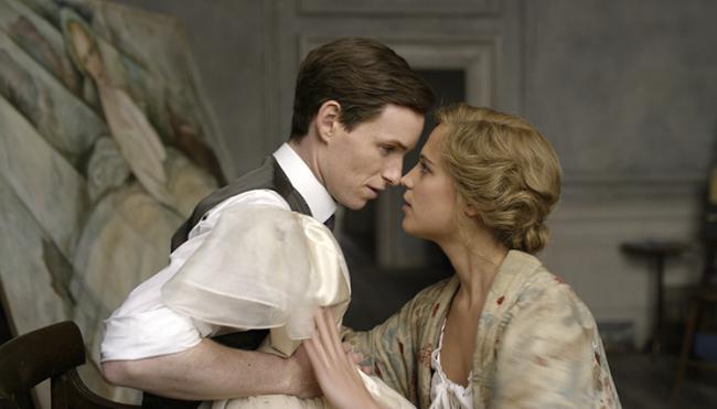 Eddie Radmayne and Alicia Vikander in The Danish Girl