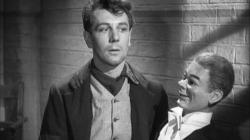 Michael Redgrave with his dummy in Dead of Night.