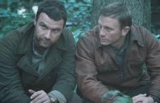 Craig and Schreiber act well together, despite not really looking like brothers.