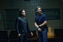 Édgar Ramírez and Eric Bana in Deliver Us from Evil.