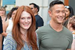 Julianne Moore and Joseph Gordon-Levitt in Don Jon