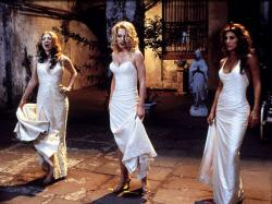 Some sexy vampires in Dracula 2000.
