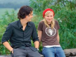 Orlando Bloom and Kristen Dunst in Elizabethtown.