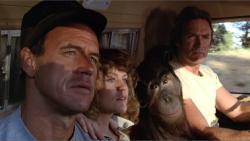 Geoffrey Lewis, Beverly D'Angelo, Manis and Clint Eastwood in Every Which Way But Loose.