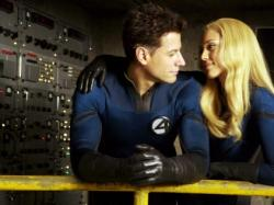 Ioan Gruffudd and Jessica Alba in Fantastic Four: Rise of the Silver Surfer.