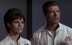 Raquel Welch and Stephen Boyd in Fantastic Voyage