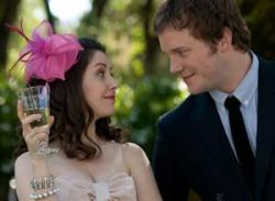 Alison Brie and Chris Pratt in The Five-Year Engagement