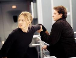 Jodie Foster and Peter Sarsgaard in Flightplan.