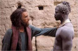 Heath Ledger and Djimon Hounsou in The Four Feathers.