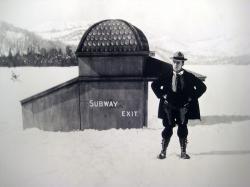 Buster Keaton in Frozen North.