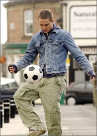 Kuno Becker in Goal.