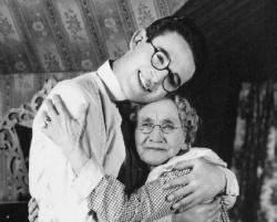Harold Lloyd and Anna Townsend in Grandma's Boy
