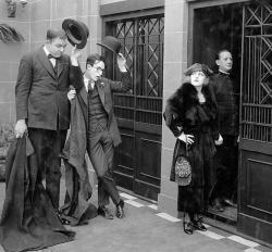 Roy Brooks, Harold Lloyd and Mildred Davis in High and Dizzy