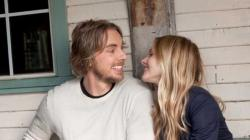 Dax Shepard and Kristen Bell in Hit and Run