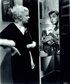 Jean Harlow and Clark Gable in Hold Your Man