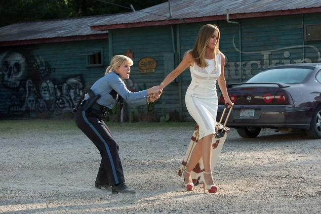 Reese Witherspoon and Sofia Vergara in Hot Pursuit.
