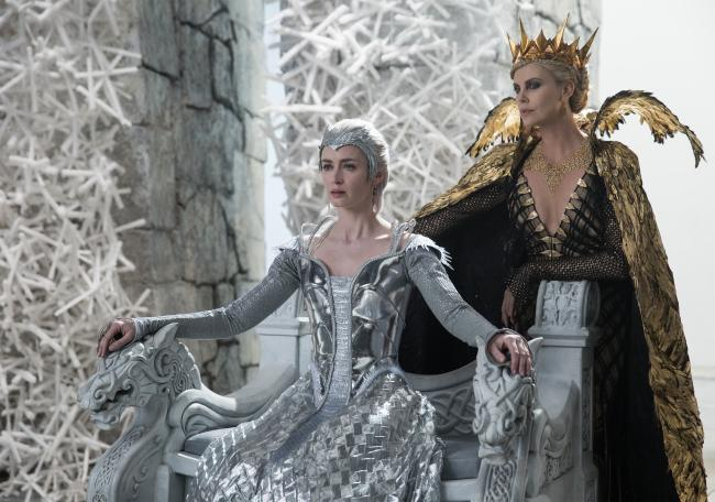 Emily Blunt and Charlize Theron in The Huntsman: Winter's War.