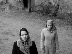 Agata Kulesza and Agata Trzebuchowska in Ida.