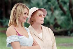 Cameron Diaz and Shirley MacLaine in In Her Shoes.
