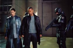 Bridget Moynahan and Will Smith in I, Robot.