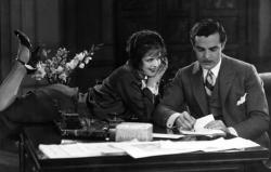 Clara Bow and Antonio Moreno in It.