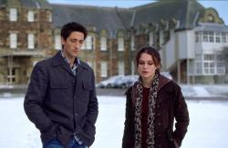 Adrien Brody and Kiera Knightley in The Jacket.