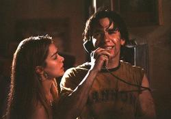 Gina Philips and Justin Long in Jeepers Creepers.